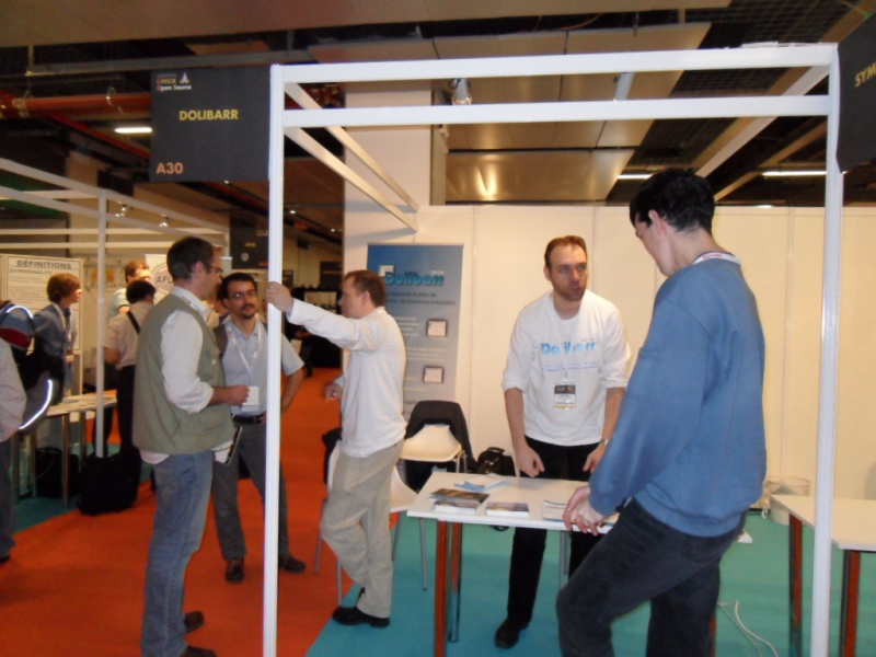 File:Stand salon Solution Linux 2011.jpg